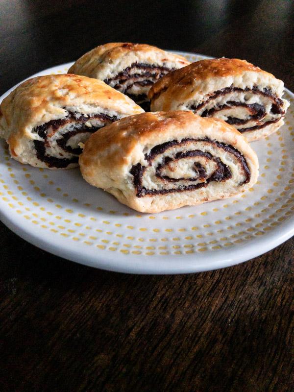 Kleacha (Iraqi Date Cookie)